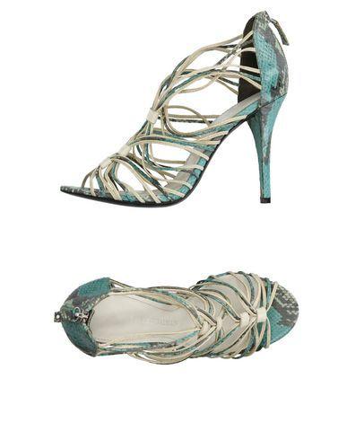 PIERRE BALMAIN Sandals. #pierrebalmain #shoes #