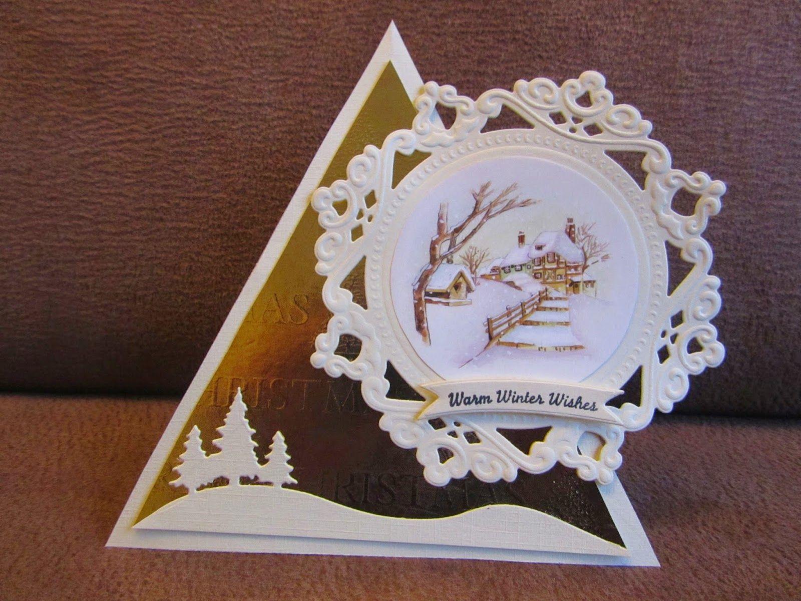 Kaartje gemaakt, eigen ontwerp.   Zo leuk en simpel om te maken.   neem 1 beige driehoek en   1 van goud karton.   Plak ze op elkaar en v...