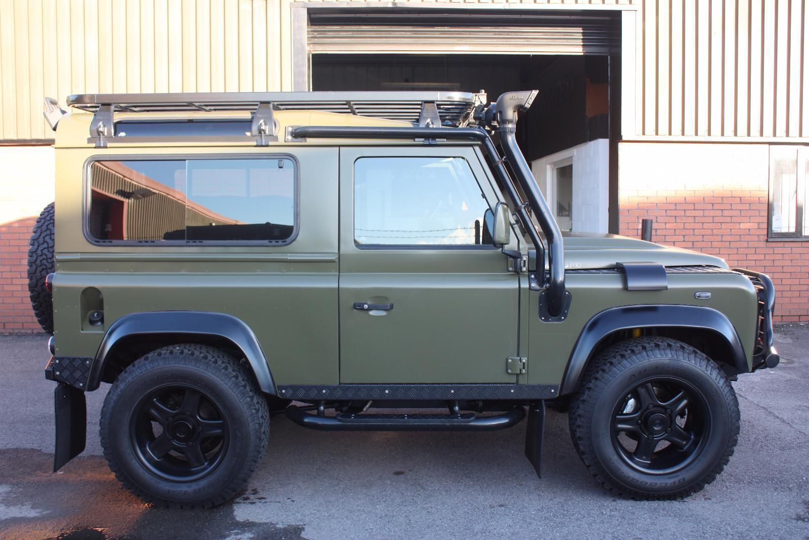 2002 LAND ROVER DEFENDER 90 Twisted One off XS Black Edition 2.5 TD5