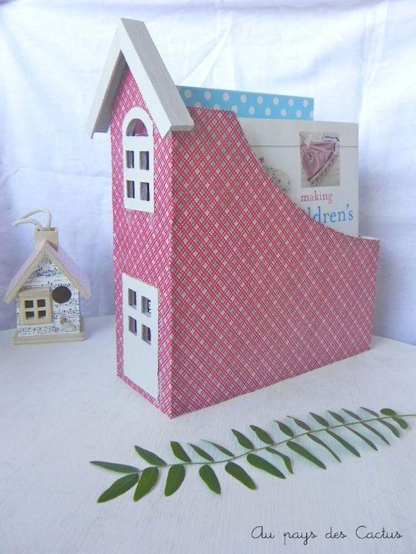 porte revues maison au pays des cactus crafts bricolage cartonnage maisonnette. Black Bedroom Furniture Sets. Home Design Ideas