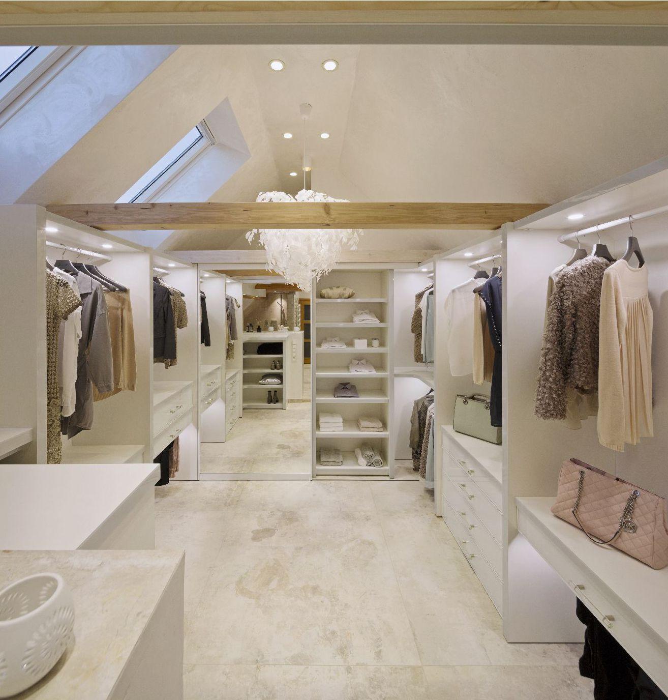 Einbauschranke Schiebeturen Nach Mass Ankleidezimmer Ankleide Zimmer Begehbarer Kleiderschrank Dachgeschoss