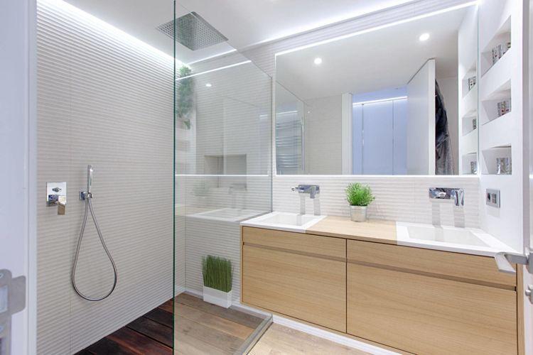 Helles Holz Fur Boden Und Wand In Einer Modernen Wohnung Moderne