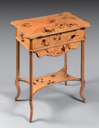 Emile Galle 1846 1904 Table A Ouvrage En Bois Fruitier Vernis A Plateau Meubles Art Nouveau Emile Galle Vente Aux Encheres