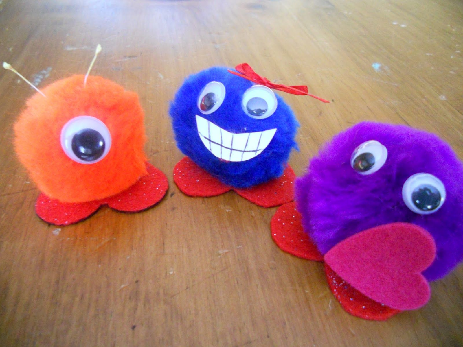 Pom pom valentine craft for kids create art with me st for Pom pom crafts
