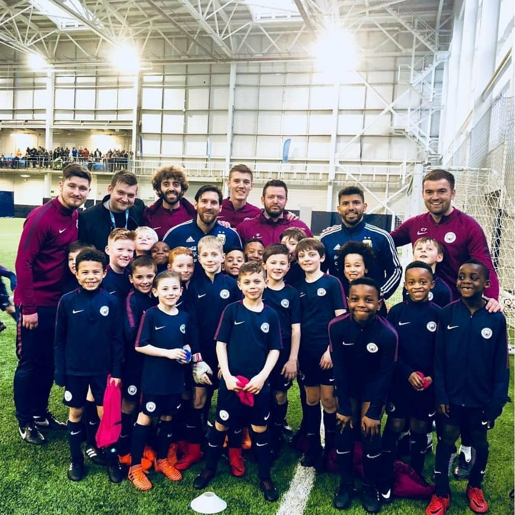Aguero and messi meet young players at the cfa mcfc ctid aguero and messi meet young players at the cfa m4hsunfo Choice Image