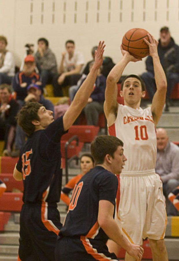PHOTOS: Warrensburg-Latham vs Cerro Gordo boys basketball : Gallery