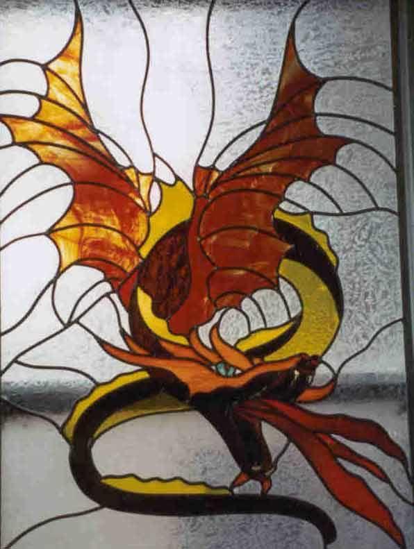 этом фото и рисунки драконов для витража маленькая республика