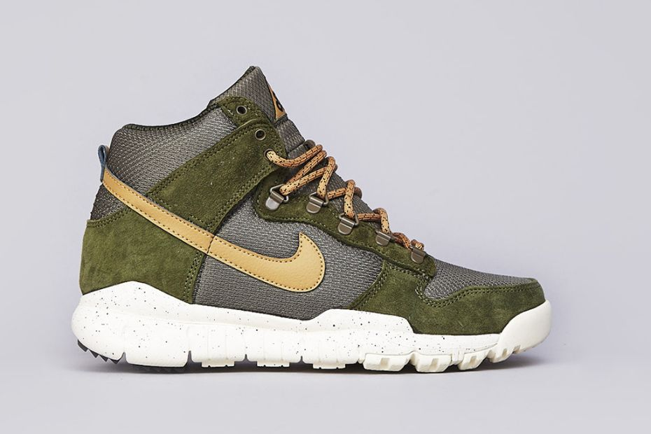 finest selection 5554d 11479 Nike SB Dunk High OMS Light Green/Flat Gold/Olive | Sneakers ...