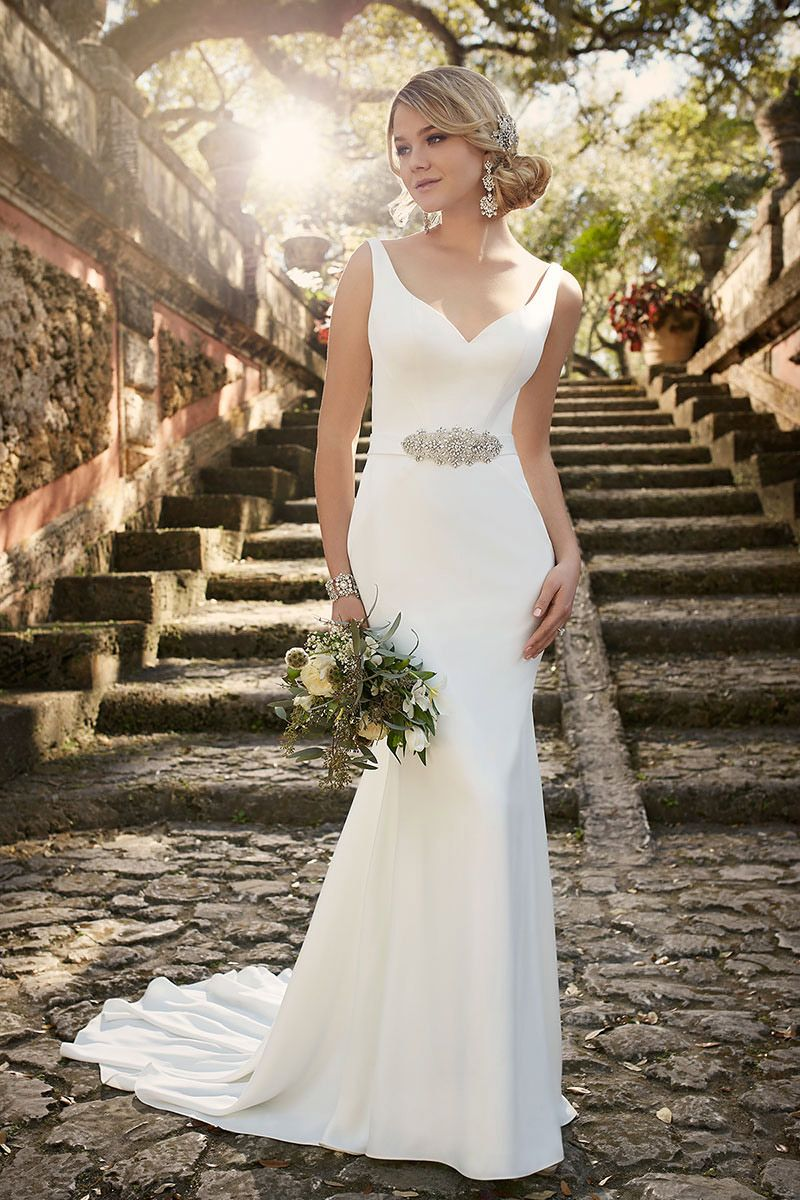 Wedding Dress Shapes And Styles For Brides With A Small Bust