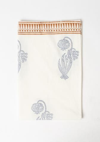 Each tea towel is decorated by hand-block. This makes each tea towel unique. It will give your kitchen a lovely...
