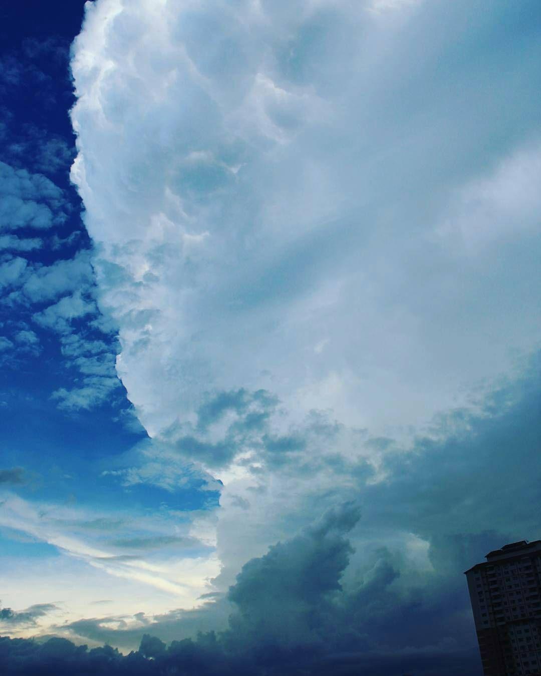 شبكة أجواء شاهد قوة السحابة ركامي عاصفة مطر عاصفة رعدية امطار ماليزيا Samalaysia Instagram Instagram Posts Photo