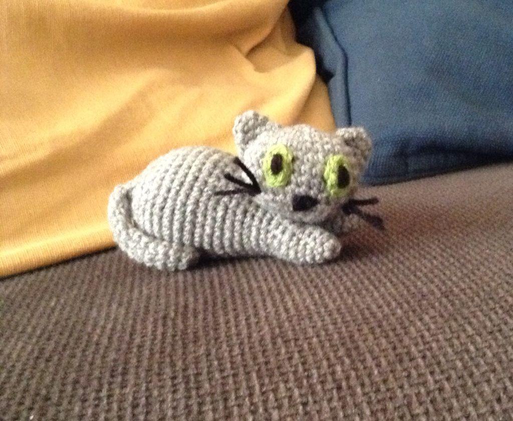 Sweet crochet mini cat.  Pattern on www.pegghysew.com