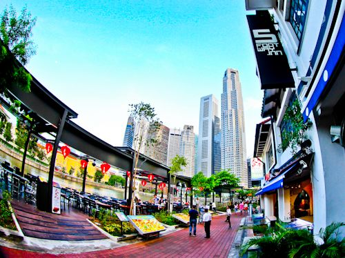5Footway Inn Project Boat Quay is located at Boat Quay, Singapore. The advantages of staying at 5Footway Inn whilst in Singapore are;     Location on Boat Quay - you can walk to most Singapore points of interest   Free