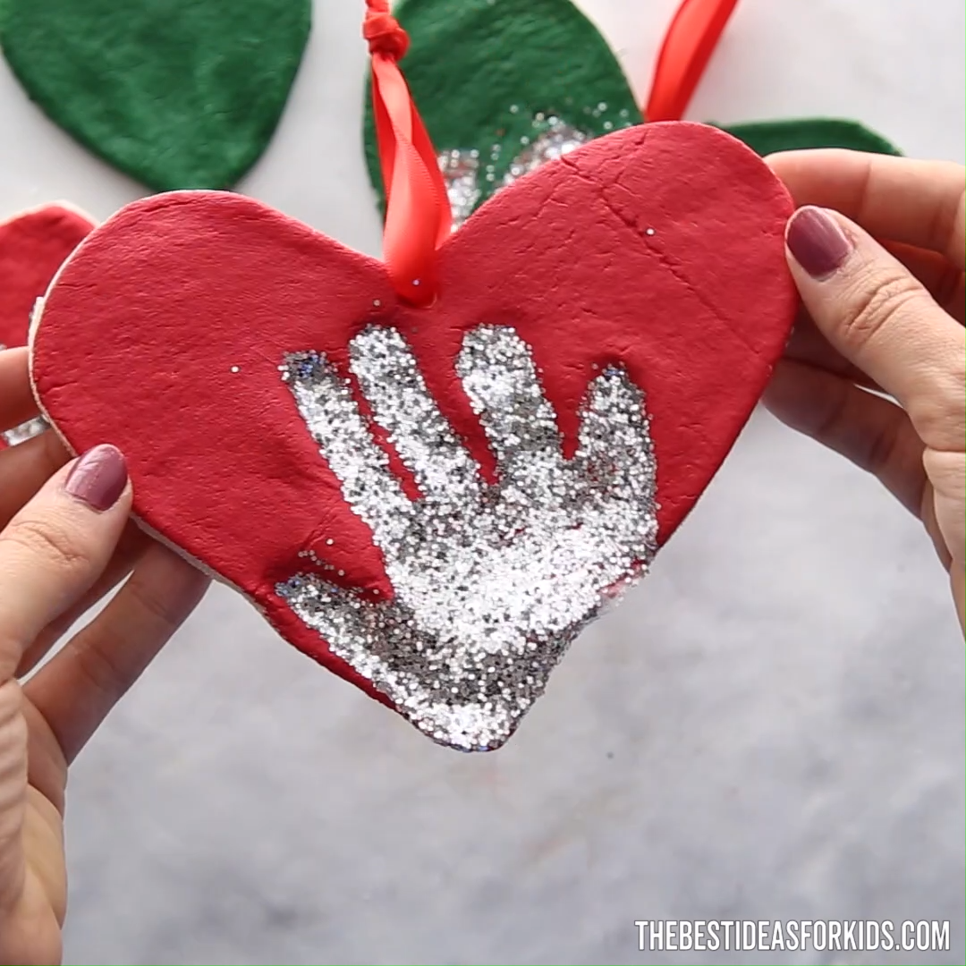 Salt Dough Handprint Ornament #diychristmasgifts