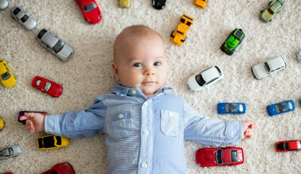 Wie viel Spielzeug braucht mein Kind wirklich? | Babyartikel.de Magazin