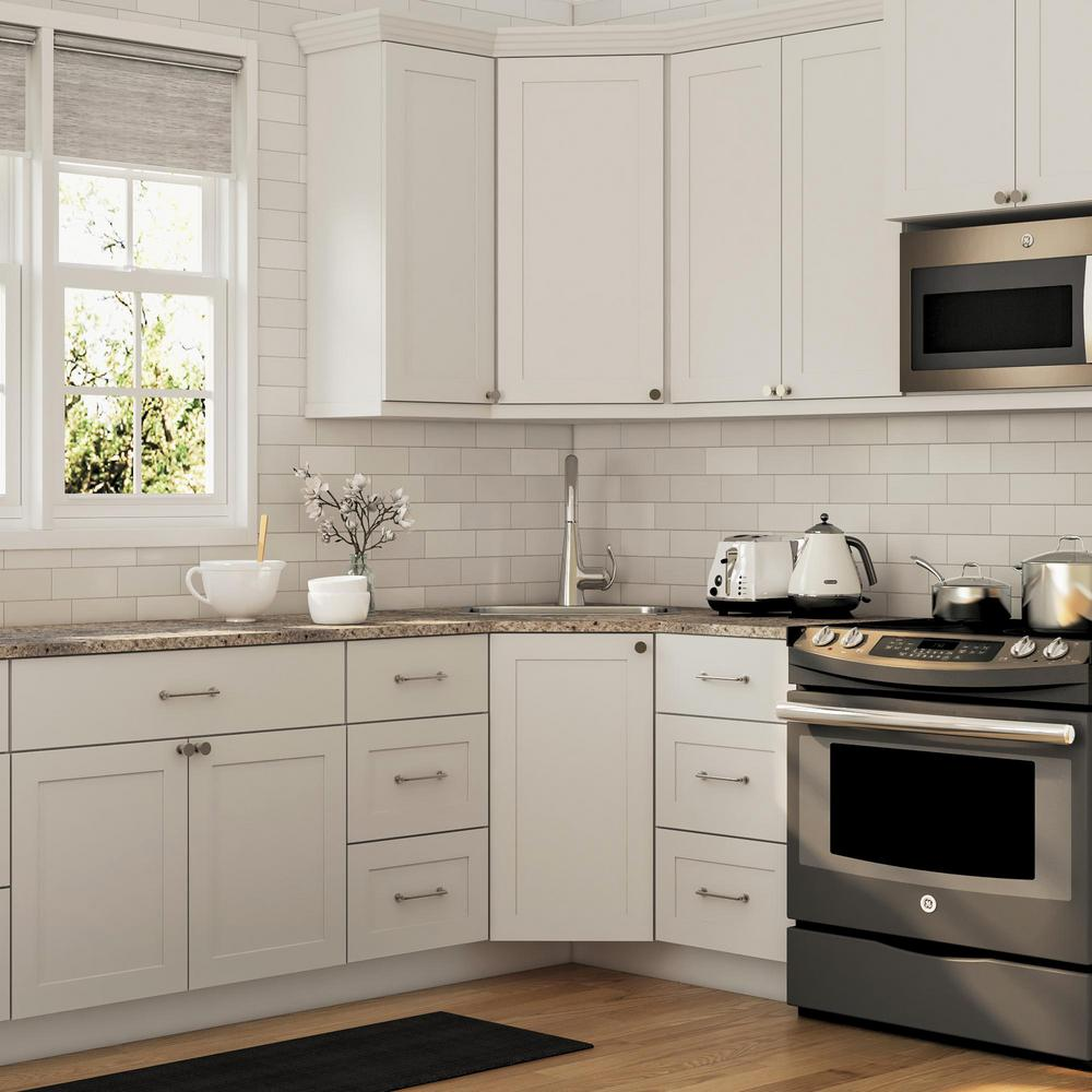 Hampton Bay Cambridge Shaker Ready To Assemble 36x34 5x24 5 In Corner Sink Base Cabinet W 1 Soft Close D In 2020 Kitchen Remodel Small Corner Sink Home Depot Kitchen