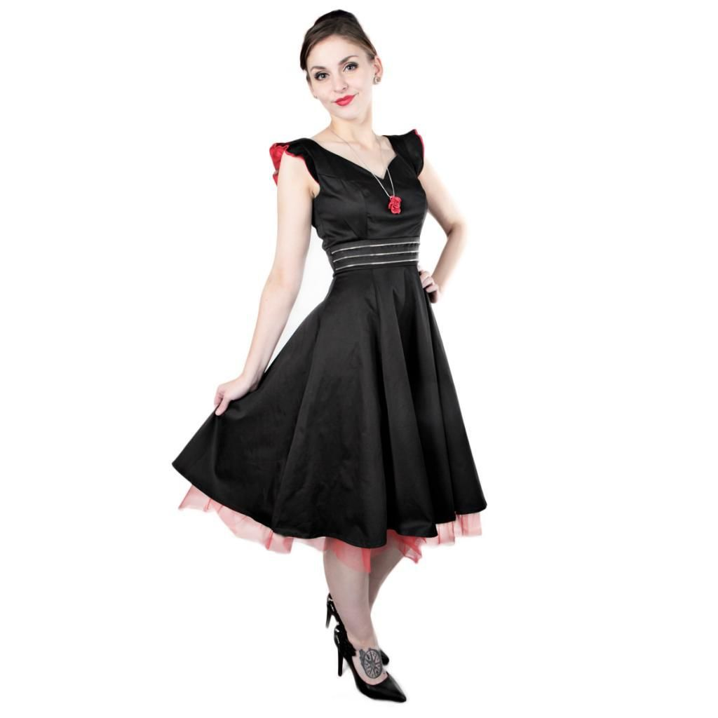 Here is some elegance for you! Gorgeus black dress with red details!