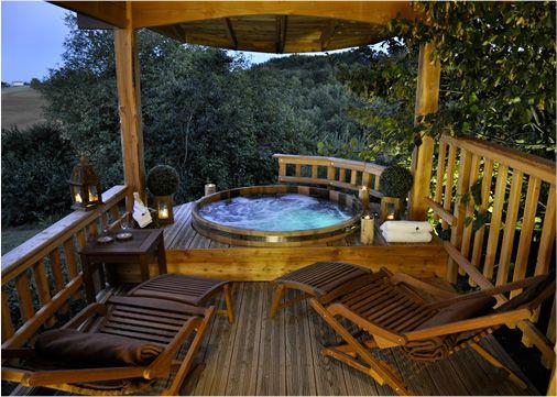 Roulotte spa dans les arbres spa privatif sur la - Chambre d hote couleur bois et spa ...