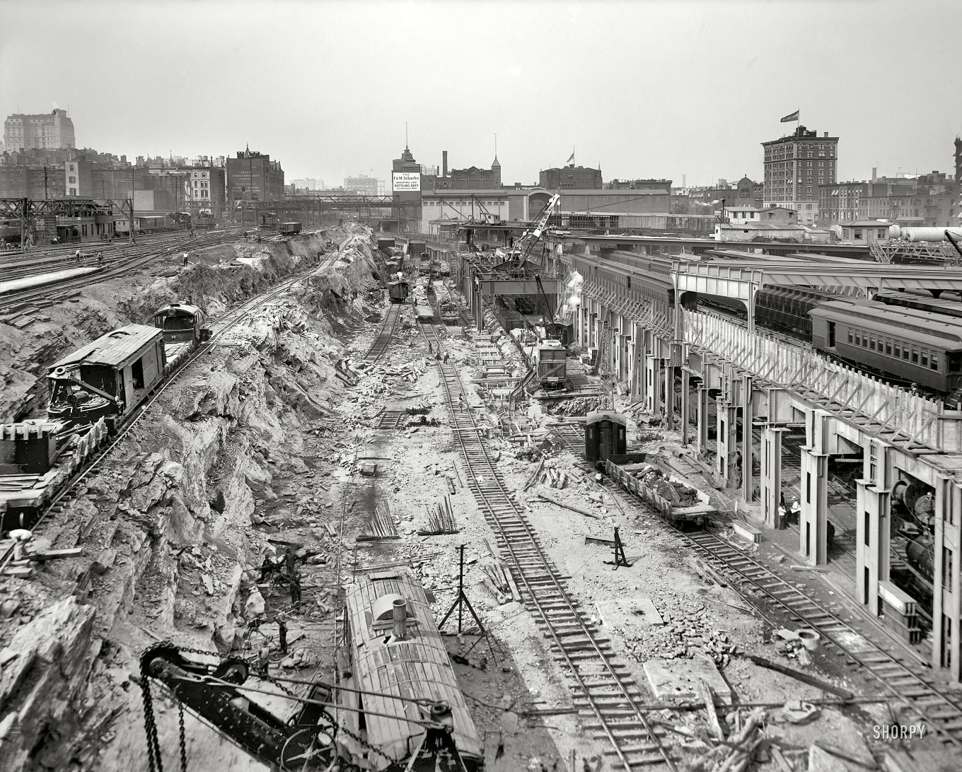 Park Ave Before Park Ave Excavations For The Grand Central Station Begin 1908 Grand Central Station Grand Central Terminal New York City