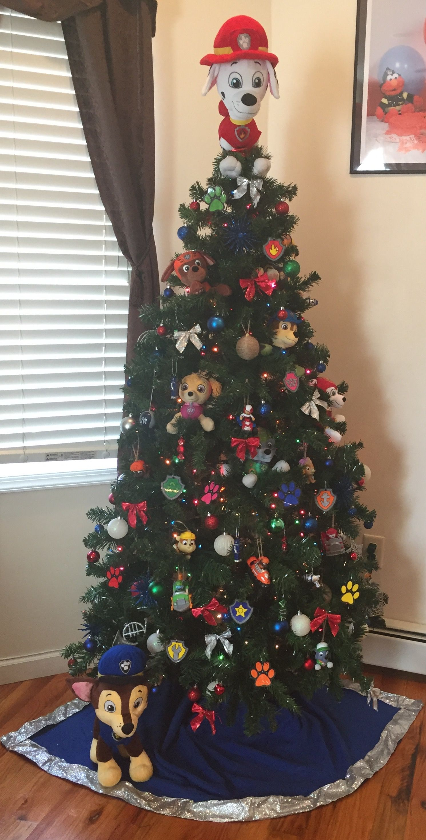 Paw patrol christmas tree arboles pinterest navidad for Arboles navidenos decorados