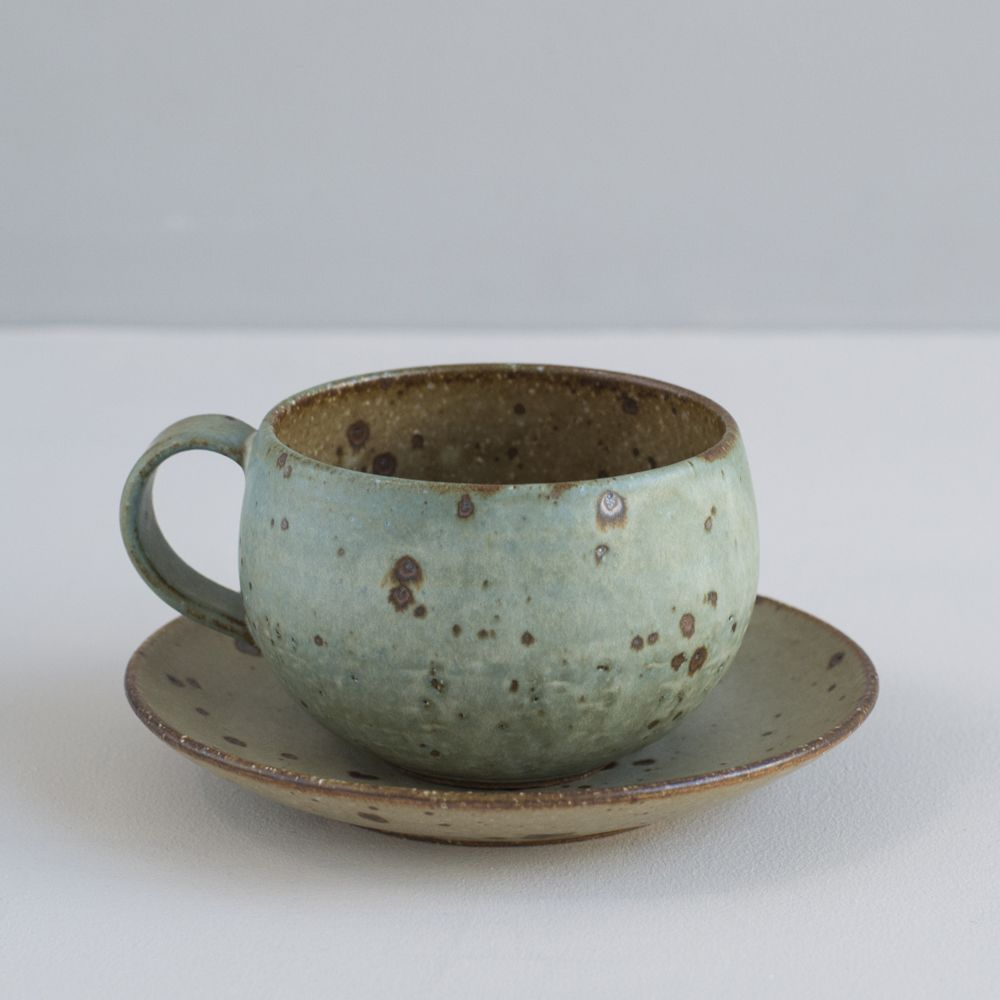 Japanese stoneware cup and saucer turquoise and natural for Menaje cocina japonesa