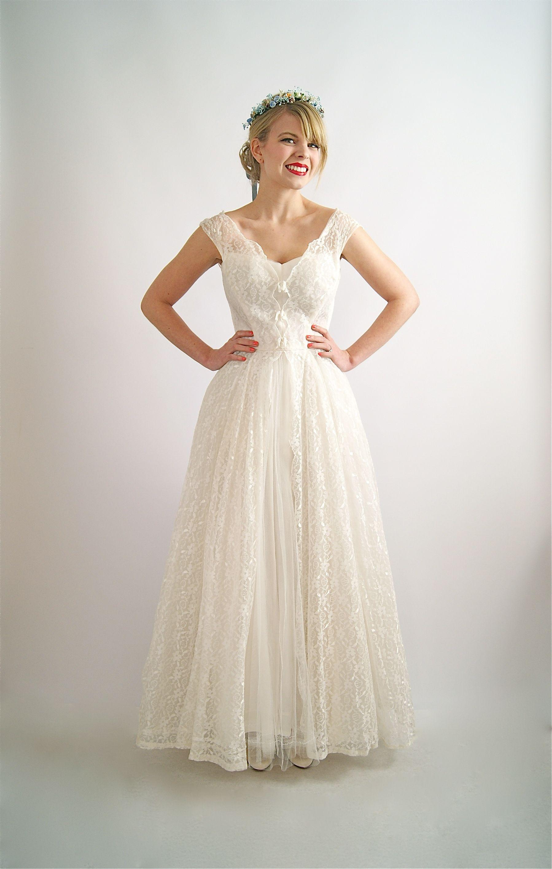 Vintage wedding dress 1950 s wedding dress at Xtabay