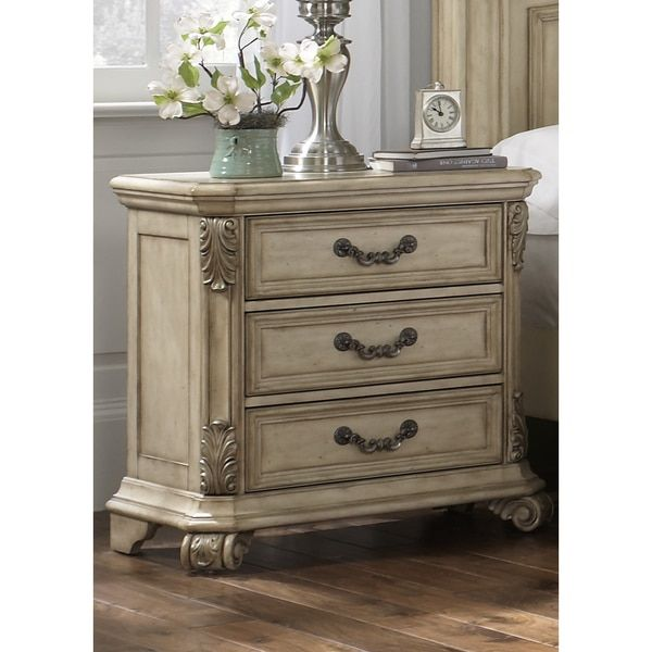 Discount Antique Furniture: Liberty Antique Ivory 3-drawer Nightstand