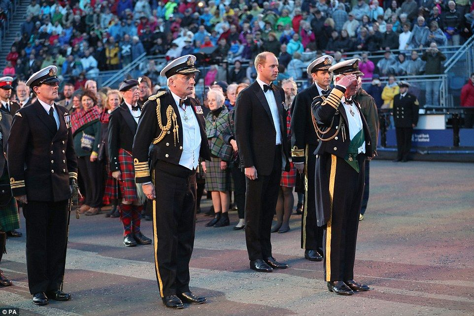 84075b4e847 The first Edinburgh Tattoo took place in 1950. Now it involves regiments  from across the world