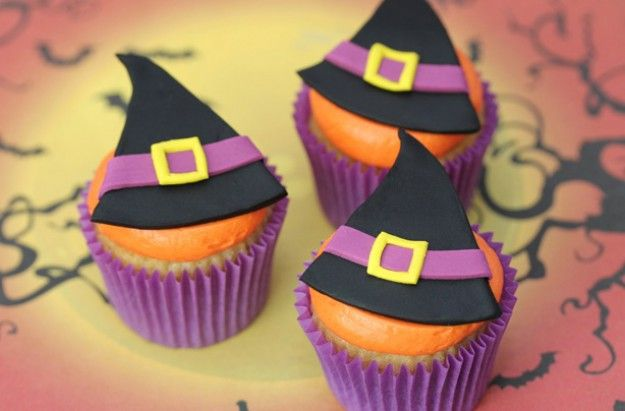 Witch hat cupcakes *Food  Dessert Recipe* Pinterest Witches - decorating ideas for halloween cupcakes