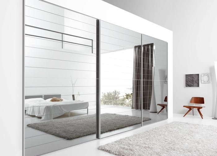Mirrored Sliding Closet Doors Find Ways Of Using The Reflection