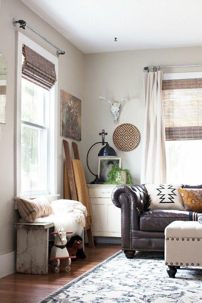 Cool gray walls, white ceiling, wood floors W Idaho Living Room - wohnzimmer beige streichen
