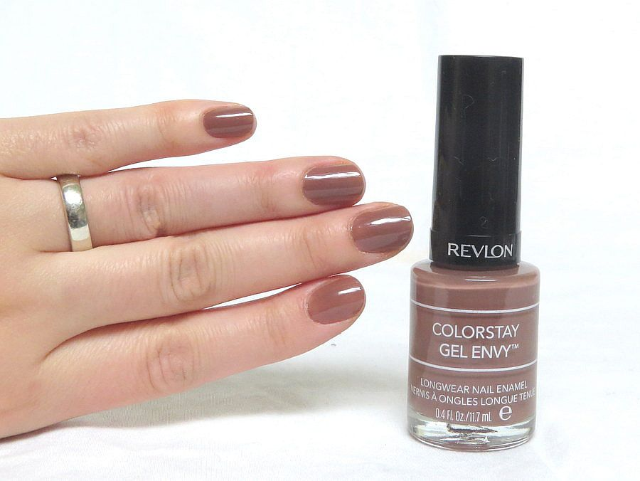 Revlon Gel Envy Nailpolish Swatch In The Shade 2 Of A Kind