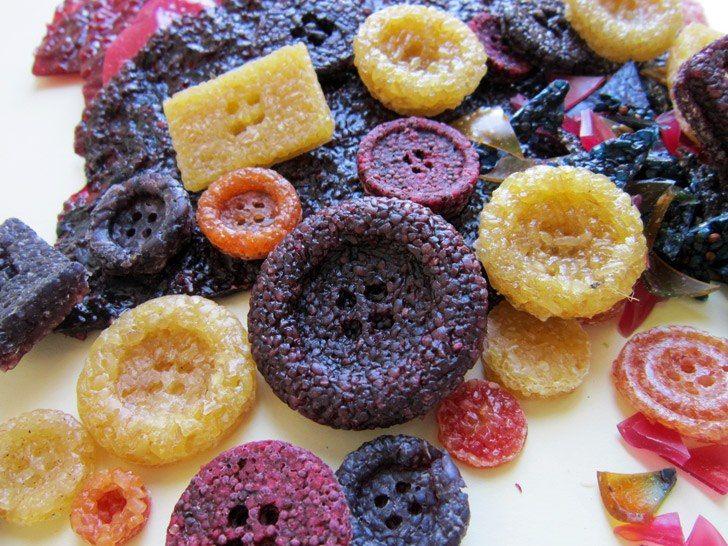 Buttons were made from recycled food    https://sphotos-a.xx.fbcdn.net/hphotos-snc7/429373_10151051314037056_217691173_n.jpg