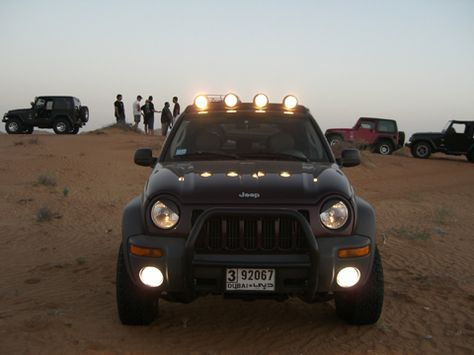 Various Kinds Of Jeep Liberty Headlights Have Been Developed