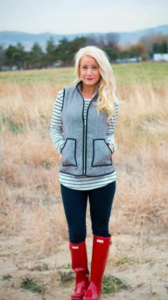 The most comfortable vest. Perfect for fall. Fits like a glove. Model wearing size Small Small-(2-4) Medium-(6-8) Large-(10-12) XL-(14-16)