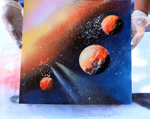 Diy spray paint art in 5 minutes spray paint art for How does spray paint work