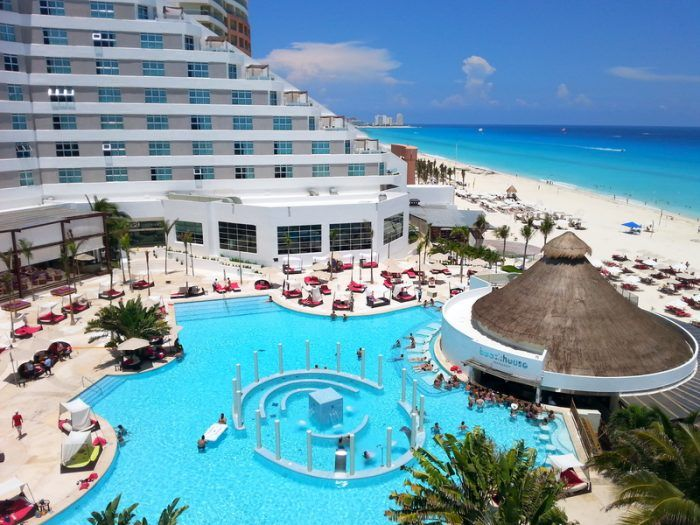 8 Me Cancun Mexico The Glorious Me Cancun Is Surely One Of The Greatest Choices For Party Loving Beach Travel Cancun Hotels Best All Inclusive Resorts Cancun