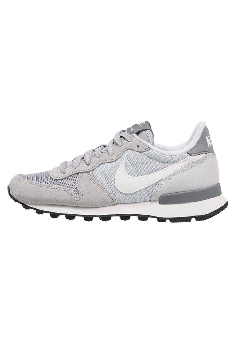Kreiere den ultimativen Casual-Look! Nike Sportswear INTERNATIONALIST -  Sneaker low - wolf grey