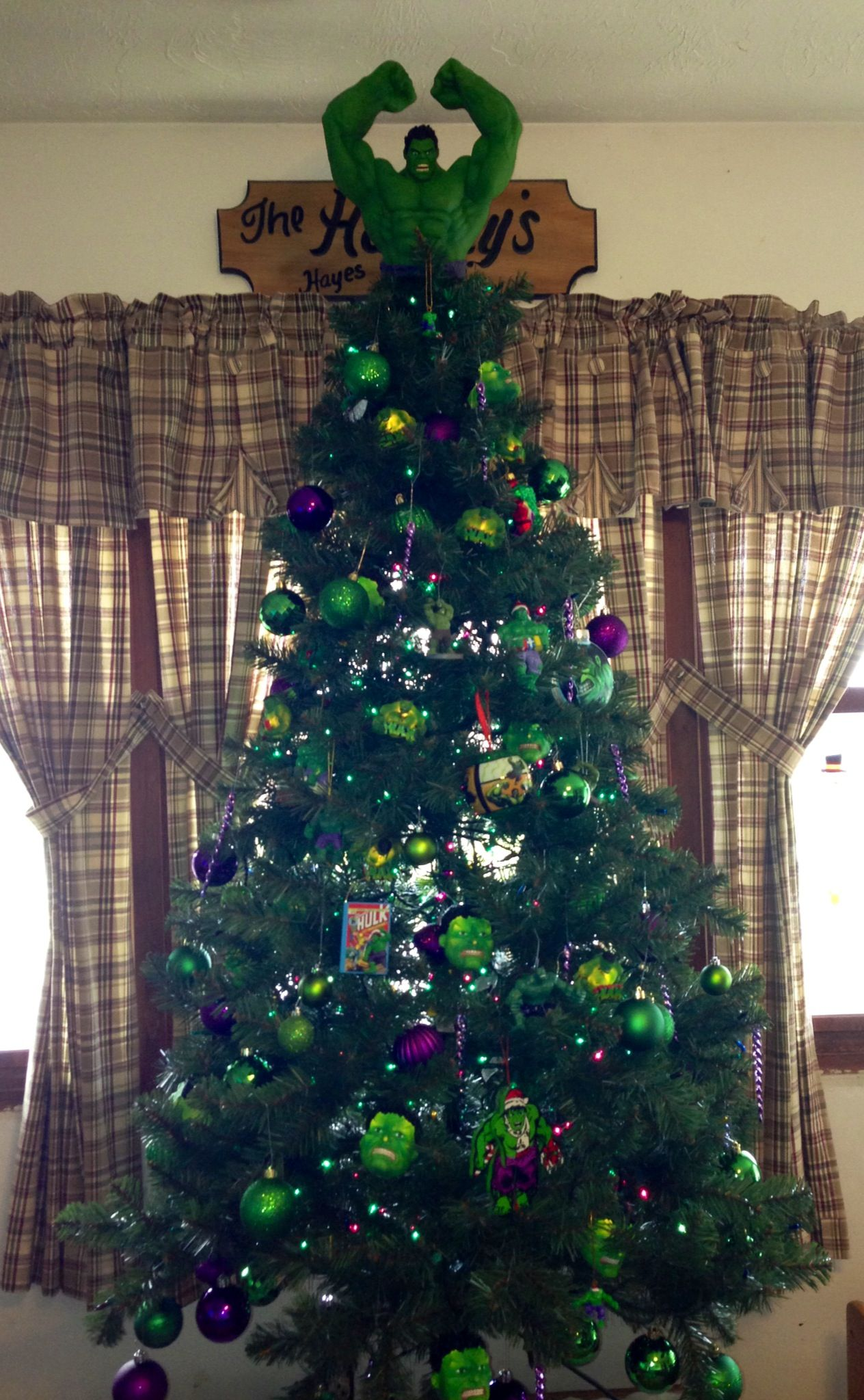 Batman christmas tree ornaments - Hulk Christmas Tree We Do A Theme Every Year This Year We Decided