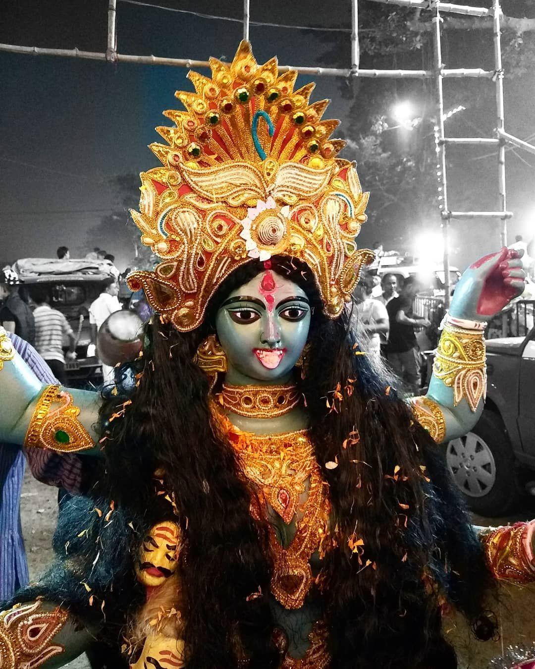 The colourful one. See you next year, Maa. . #KaliPujo #Kali #Diwali #Diwali2018 #Bhashan #Visarjan #Kolkata #Babughat | Kali goddess, Maa kali images, Kali mata