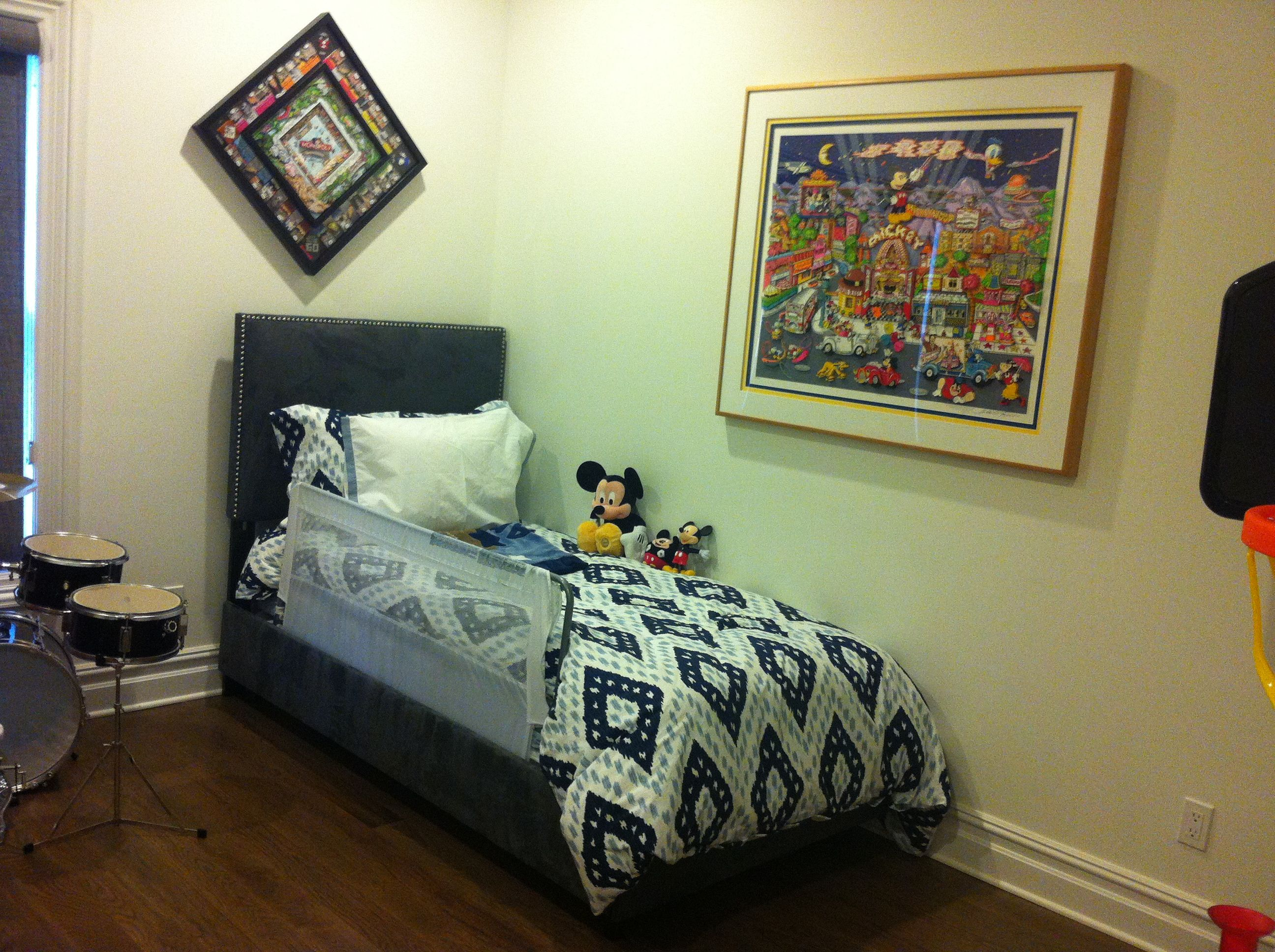 Professional picture hanging service custom framing by central professional picture hanging service custom framing by central galleries in cedarhurst ny 516 569 jeuxipadfo Image collections