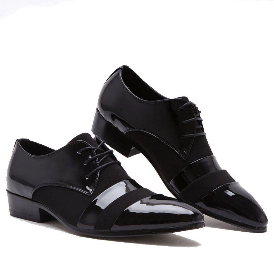 f7baf1987e Encontrar Más Pisos para hombres Información acerca de Nuevo estilo de  charol negro Oxfords de cuero de moda en punta de encaje hasta zapatos de  vestir de ...