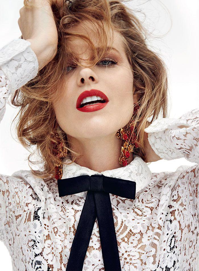 Commemorating Makeup Artist Ashley Ward Eva Herzigova Fashion Poses Beauty