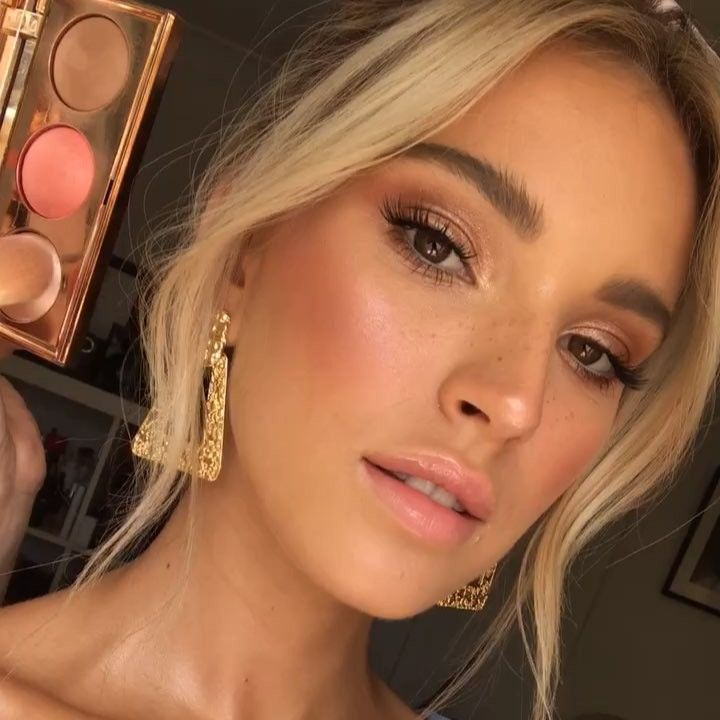 """Photo of Emma Chen's Instagram video: """"Hot Tip 👉🏻 When Im creating a super fresh summery vibe I love to dust a bit of blush across the nose to give a sun kissed finish 🌞  Using…"""""""