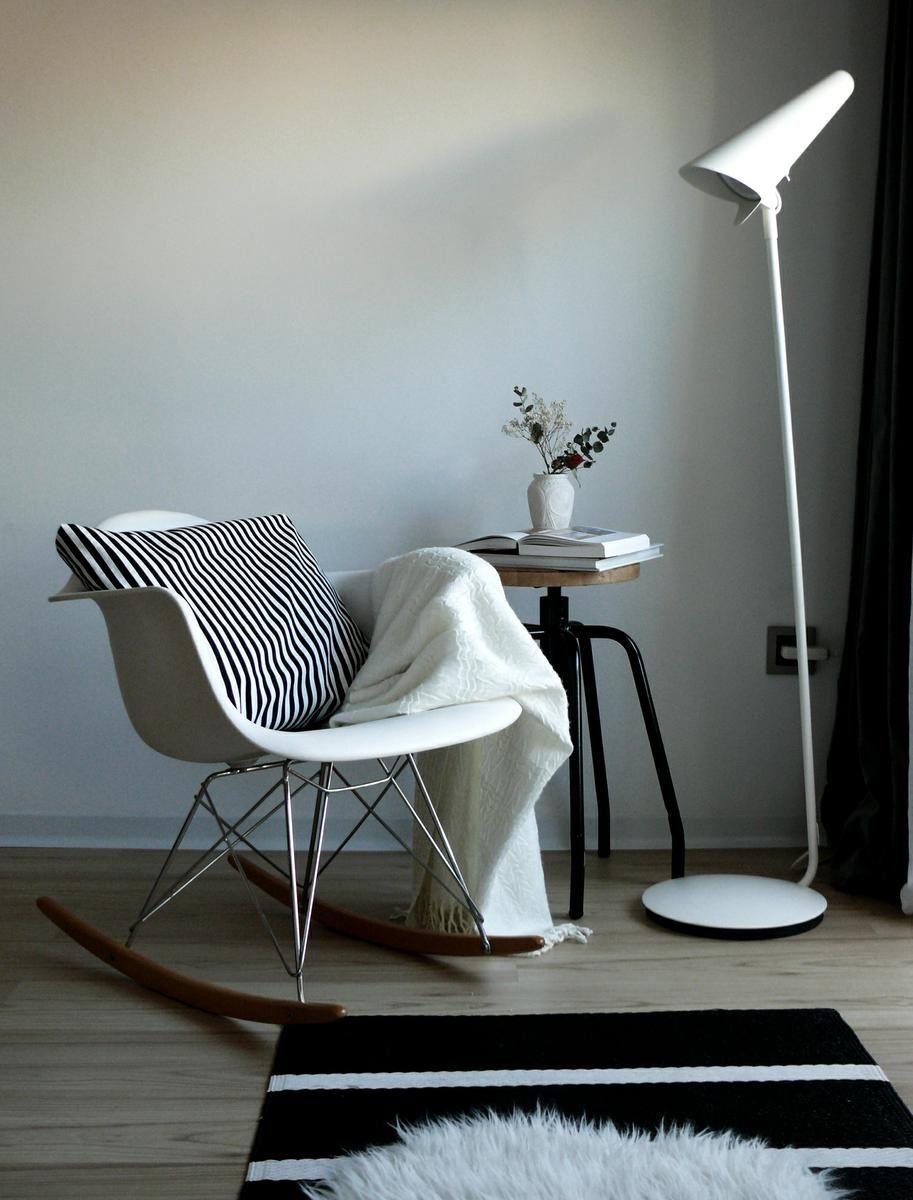 Mecedora De Los Eames Perfecta Para Dormitorios Infantiles  # Timothy Hutton Muebles