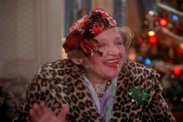 Christmas Vacation Boss Gift Scene.Aunt Bethany From Christmas Vacation I Should Say Hello