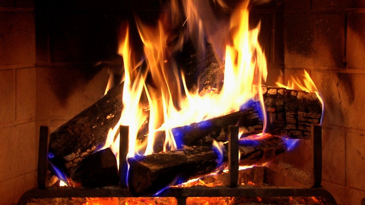 Relaxing Fireplace with Christmas Music - Piano Relax - 2