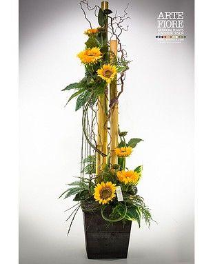 Composizione di fiori artificiali con girasoli e canne for Composizioni fiori finti per arredamento