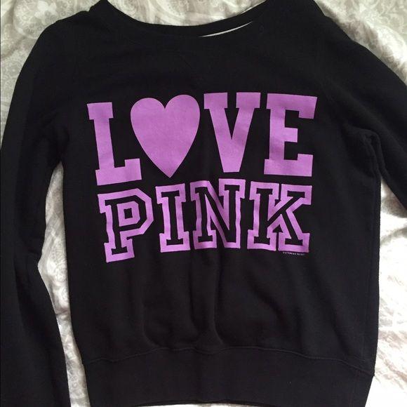 Victoria's Secret sweater Really cute sweater! Make an offer Victoria's Secret Sweaters Crew & Scoop Necks