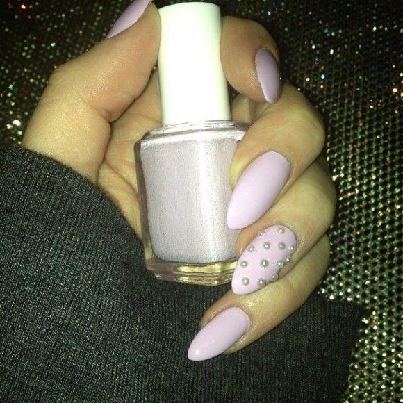 Khloe Kardashian Nails | Khloe Kardashian Shows Off Spring Manicure ...